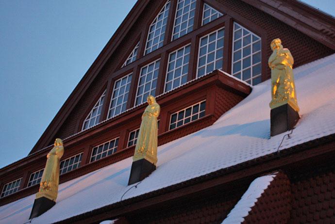 Bronze sculptures at Kiruna's church