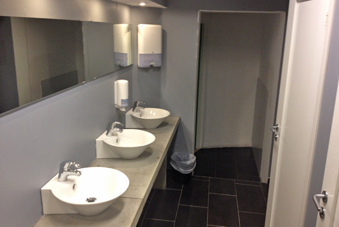 Bathrooms at Winstrup Hostel in Lund