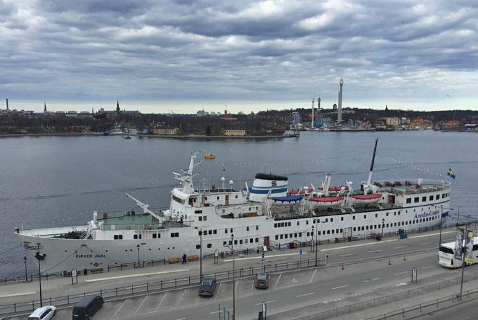 Ånedin Hostel is a boat hotel in Stockholm