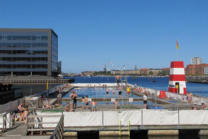Havnebadet Fisketorvet is a great outdoor swimming pool in Copenhagen