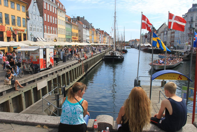 Hop on, hop off tour boats in Copenhagen