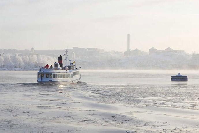 Stockholm winter boat tour