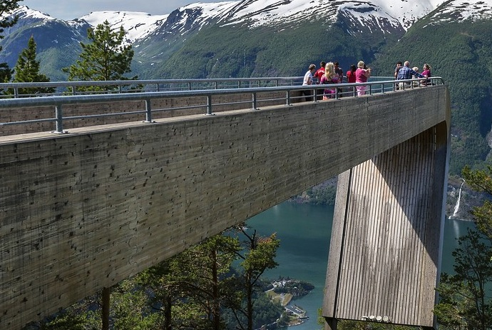 Renting a car is a great option if you want to explore Norway on a budget