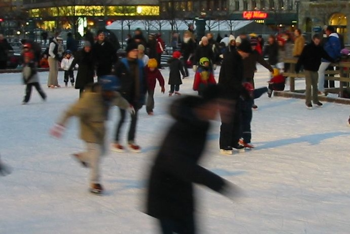 Ice skating is a fun way to meet people in Stockholm