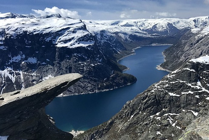 The dramatic Trolltunga gives great views over Ringedalsvatnet.