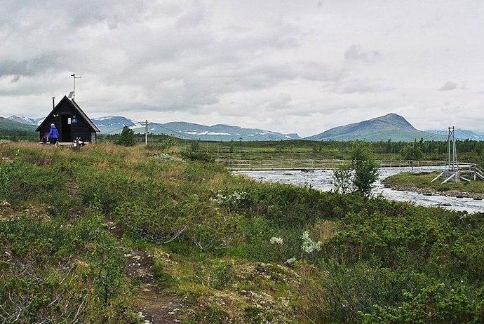 Tsielekjåkk mountain hut along the Kungsleden trail in Sweden