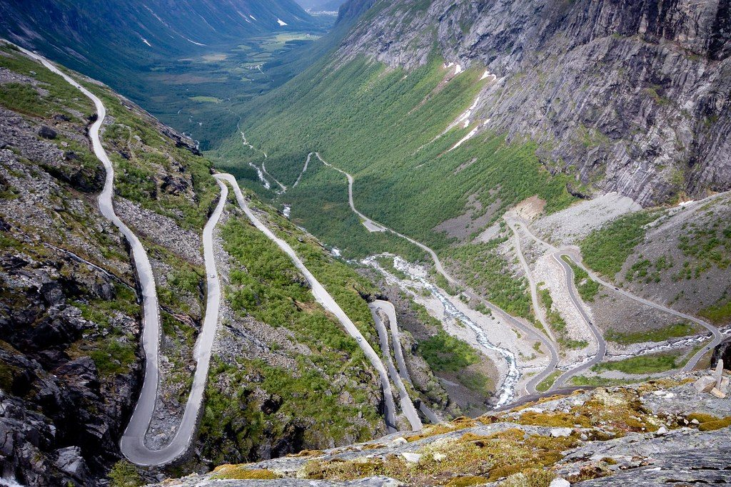 You can enjoy dramatic scenery along Norway's mountain roads