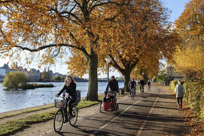 Cycling is the cheapest form of transport when visiting Scandinavia on a budget