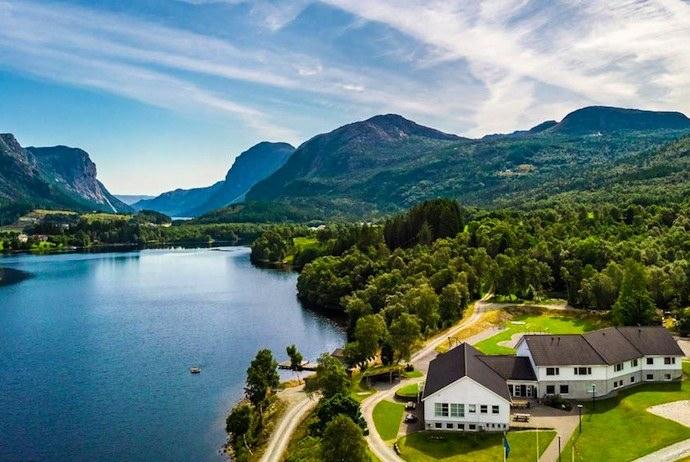 Lakeside hostel, Norway