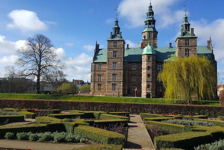 Visit Rosenburg Castle on a free history and culture tour of Copenhagen
