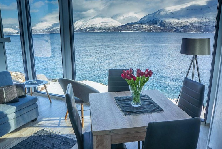 Remote but stylish cabin with views of the fjord