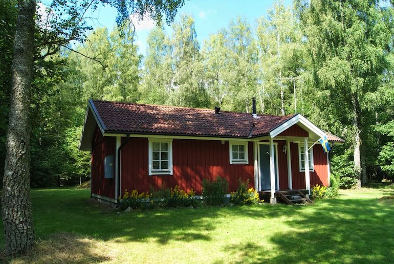 This remote cabin in Sweden is near two lakes – a perfect escape from the city