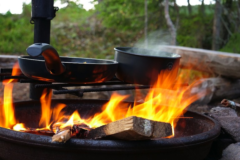 You can cook on a campfire in many places when camping in Sweden.
