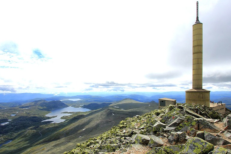 A long day-trip from Oslo takes you up the spectacular Gaustatoppen