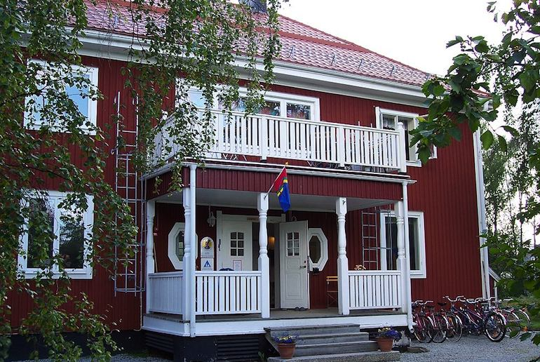 Join STF for cheap hostel accommodation in Sweden