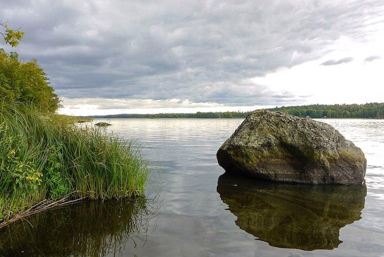 Lake Åsnen in Sweden has more than a thousand islands