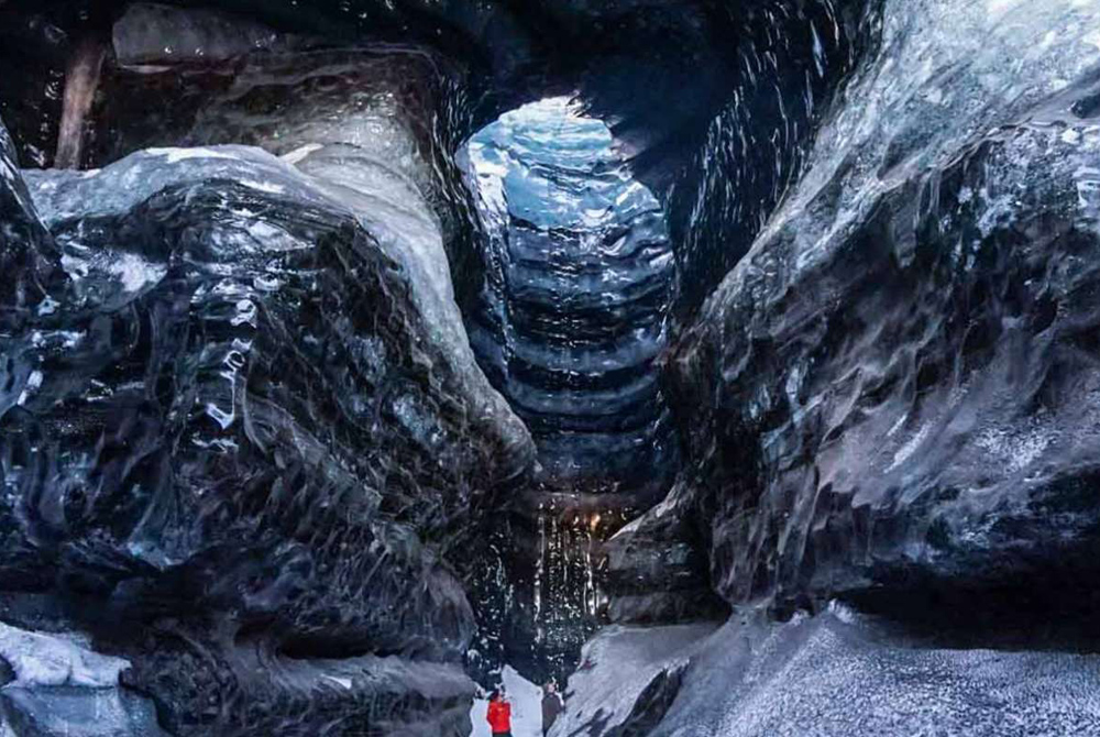 Explore the incredible Katla ice cave on your trip to Kötlujökull Glacier