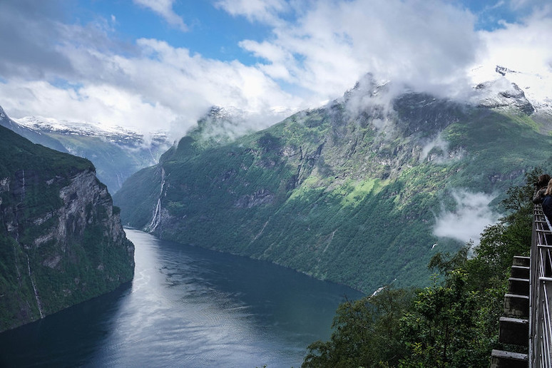 Which is better the Norwegian fjords or the Swedish lakes?
