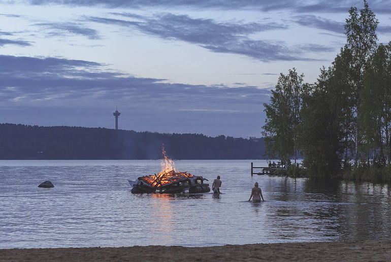 Swimming in lakes and rivers and camping wild are legal in Finland