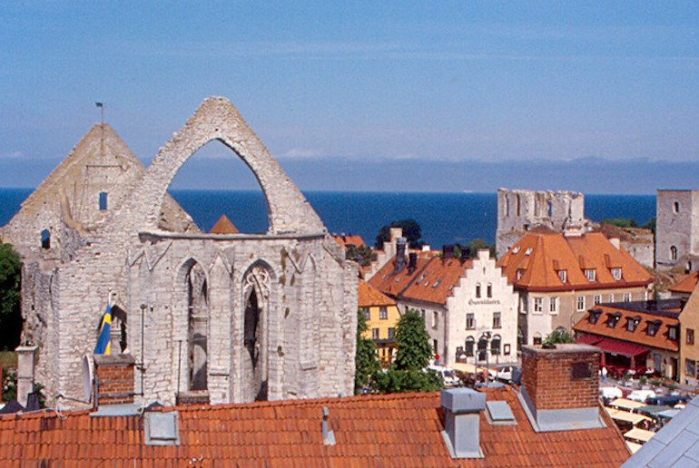 One of the best things to do on the baltic island of Gotland is to explore the medieval town of Visby